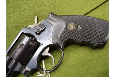 rewolwer-smith-wesson-mod-19-357mag[1].jpg